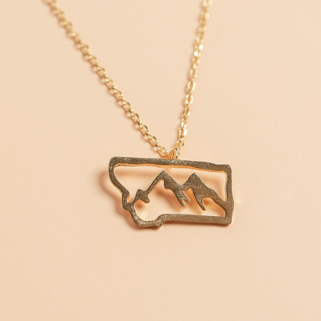 Adventurer Necklace in Gold