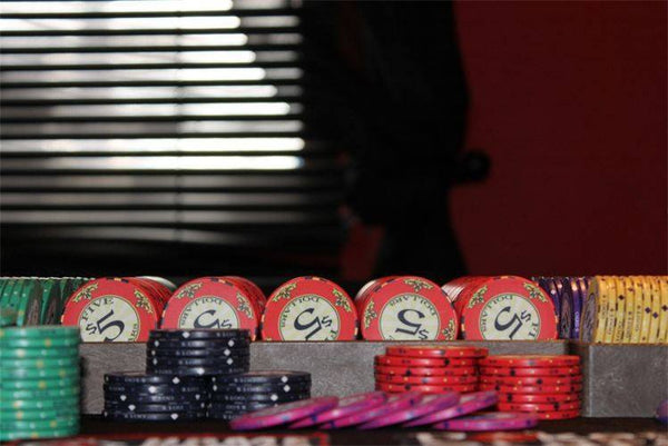 Chips - 300 Scroll 10 Gram Ceramic Poker Chips Set With Aluminum Case