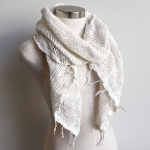 Winter scarf handmade with natural fibre. White.
