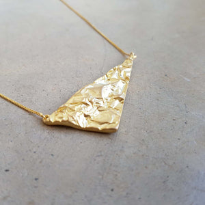 La Terre Necklace. Fine Gold Chain + Triangular pendant.