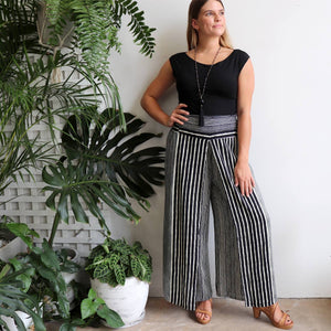 Free Spirit Wrap Pant in a modern stripe, a classic palazzo style for your smart-casual wardrobe. Black