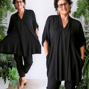 Apres Spa women's tunic top. One-size fit with mid-length sleeve with button feature kaftan top. Made with easy-care rayon fabric.