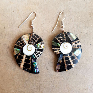 By The Sea Shore Earrings / Mother Of Pearl Shell / Shell - Darker.