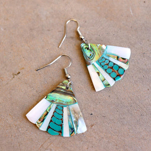 By The Sea Shore Earrings / Mother Of Pearl Shell / Fin - Light.