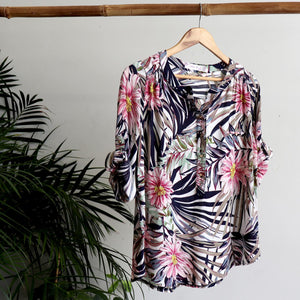 Roll-sleeve floral blouse in pink, navy and khaki colours. Sizes 10 to 20