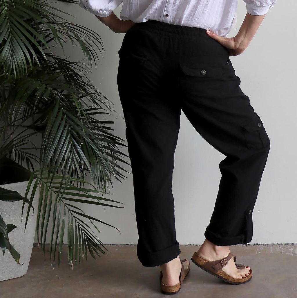 Classic Cargo Pant, the stretch utility-style pull-on casual trouser. Plus fitting. Black.