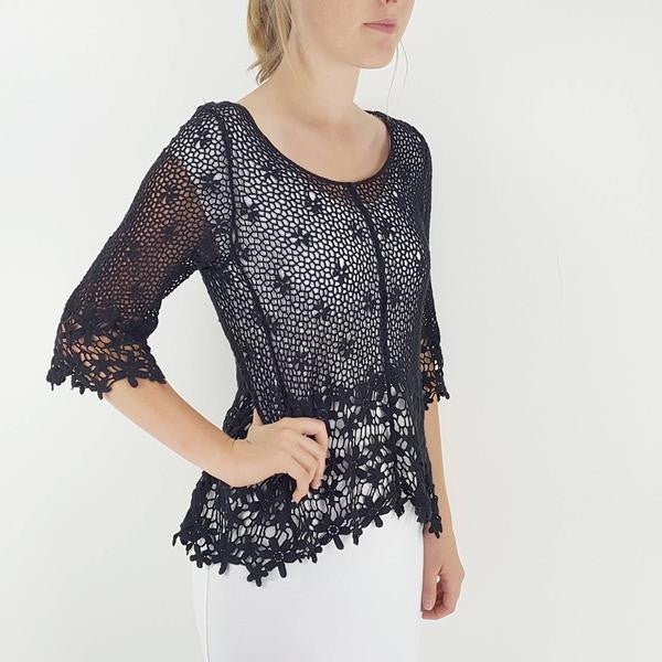 Gorgeous 3/4 sleeve crochet daisy beach cover / top with scoop neck. Black.