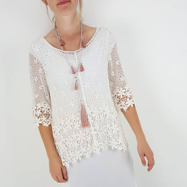 Gorgeous 3/4 sleeve crochet daisy beach cover / top with scoop neck. White.