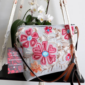 Daisy Chain Hand Bag