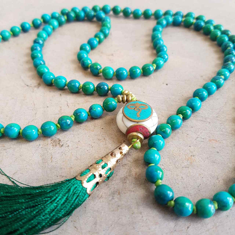Gorgeous Shiawase hand-knotted stone tassel necklace. Emerald Green
