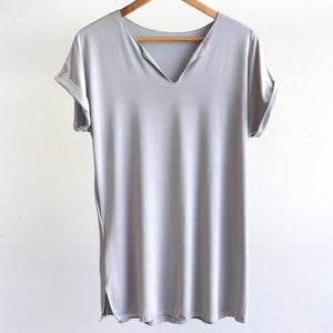 In The Moment T-shirt made in bamboo is the short-sleeved women's basic top. Silver.