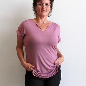 In The Moment T-shirt made in bamboo is the short-sleeved women's basic top. Heather Pink.
