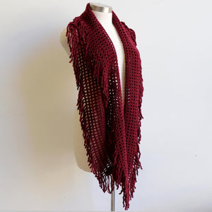 Soft knit Infinity Scarf created from acrylic fibre is a cosy wardrobe addition perfect for winter outfits. Versatile and comfortable to wear, it measures 180cm around. Burgundy.