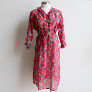 Soft, cool cotton summer dress for petite to plus size women. 3/4 sleeve with button front + v-neck. Knee length dress in beautiful summer floral pink print!