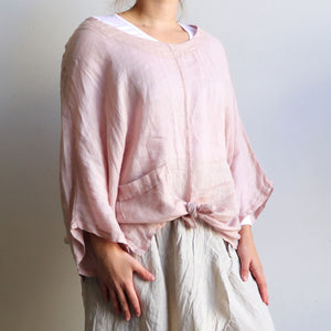 Made in Italy from 100% linen, in a generous one size with below the elbow sleeve. Perfect as an easy throw or holiday outfit. Available in a choice of classic colours. Rose Pink.