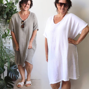 Italian made cotton and linen beach kaftan, soft and lightly textured great for beachwear. One size, free-fitting style with soft edging measures 102cm shoulder to hem. Made with 50% linen + 50% cotton blend.