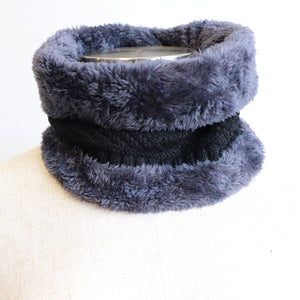 Minky Knit Neck Warmer. Black.