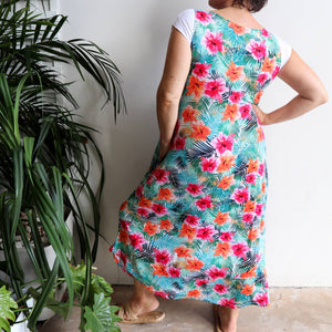 Tropical print maxi in plus size style, perfect for layering in light stretch fabric.