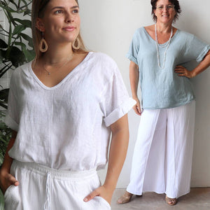 Italian made women's short sleeve summer top. Soft v-neck with scalloped hemline made with 100% Italian linen. Free-fitting size, shoulder to hemline 65cm, bust 115cm.