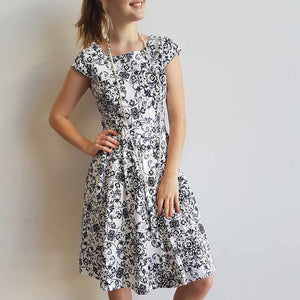 Race Day dress in Ascot Print, short sleeve + pearls. Knee Length.