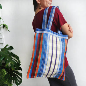 Shopping tote made in a retro look 'deck chair' style long wearing weave fabric. Measures 42cm x 48cm.
