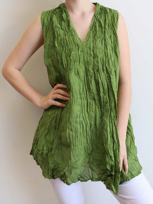 The Wanderer Cotton Blouse Top Sleeveless V-Neck. Banana Leaf Green.