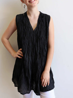 The Wanderer Cotton Blouse Top Sleeveless V-Neck. Black.