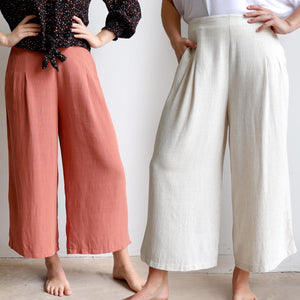 Stradbroke Pants 3/4 length wide-leg women's pants. Made with neat front pleats, two side pockets & elasticated at back of waistband for comfort. Easy care linen/viscose fabric blend. True to fit sizing, available in 8-18.