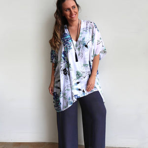 Plus size women's classic kaftan top. Relaxed, generously loose fitting shirt blouse for summer smart to casual occasion. Available in S/M + L/XL sizes.