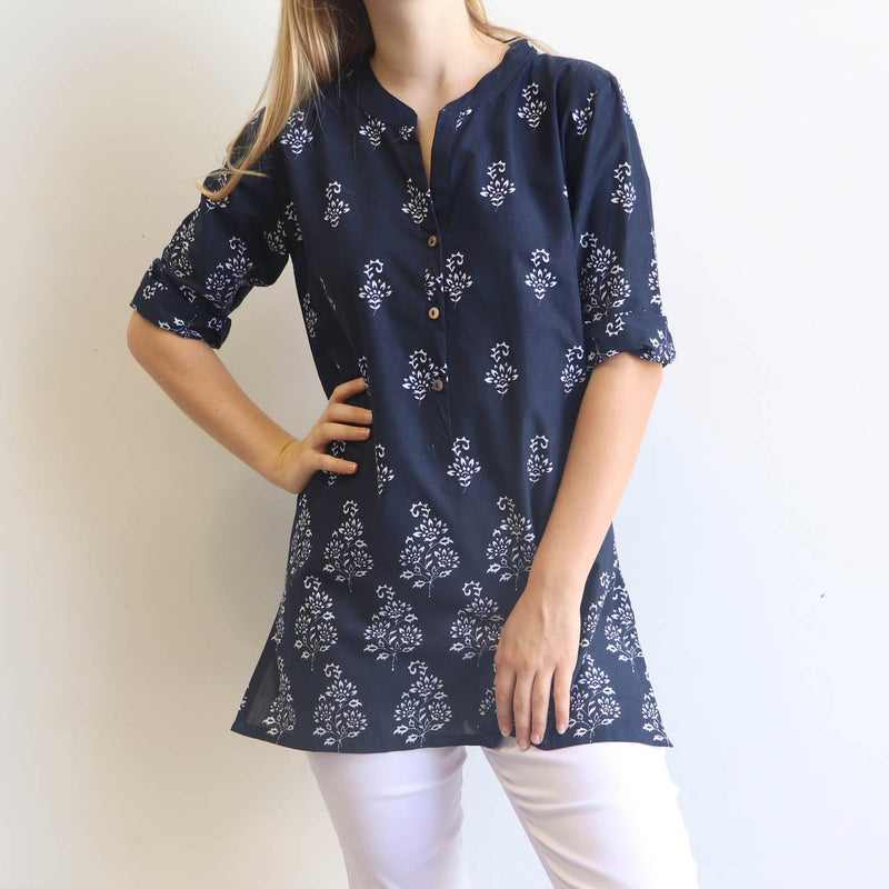 An original Kobomo design, a classic kurta shirt with a floral paisley motif. Available in regular to plus sizes.