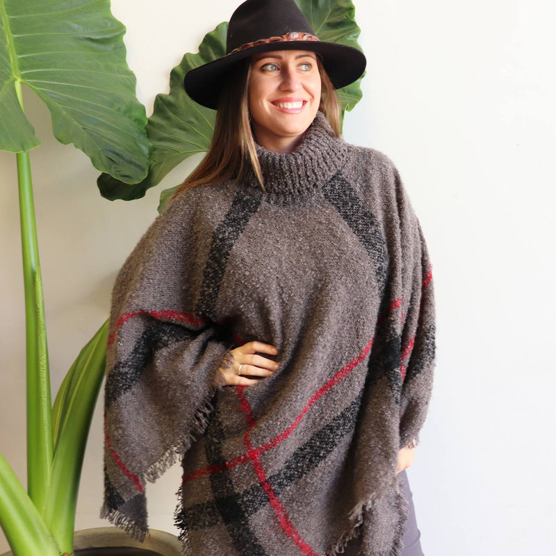 The Highlander Poncho - Storm Grey.