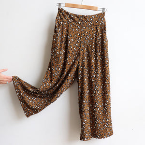 Ultra-comfy culotte pants in an animal print, Lovely wide elasticised waistband with two essential pockets. Cotton/Poly fabric available in sizes 10-18. Coffee.
