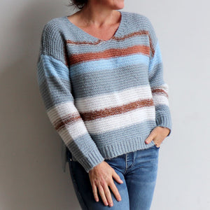 Valley V-neck Knit Jumper is a soft mohair-feel winter sweater made with cotton. Denim Blue.