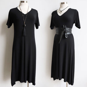 Classic a-line dress with short sleeve. Below-the-knee hemline and short sleeves handmade with lux bamboo fabric by KOBOMO.