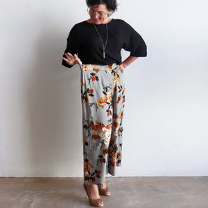 West End Pant - Wide-leg style in funky retro floral print for workwear and smart casual. Elastic waist.