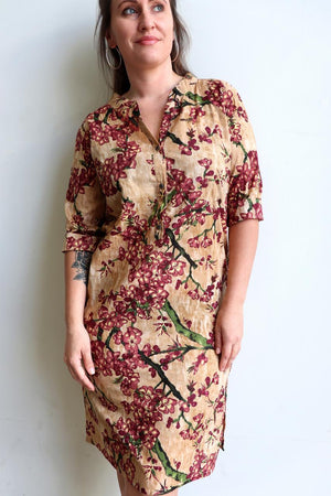Ladies spring to summer, button-up, knee length, half sleeve tunic dress. Sizes small through to XXL - Plum