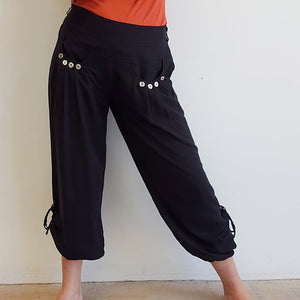 Easy + light 100% rayon harem style genie pant with front pockets + side drawstings for adjustable length. Black.
