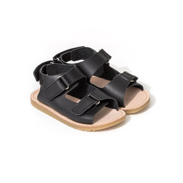 pretty brave child sandal black pair