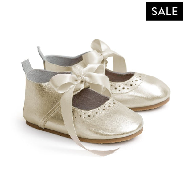 mary jane gold pair Pretty Brave baby shoes for girl wedding