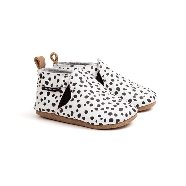 spots-slip-on-pair-baby-shoe-Pretty-Brave