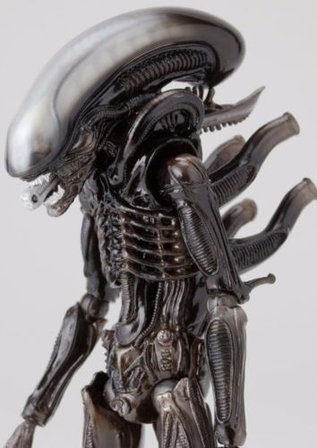 Tokusatsu Revoltech No.001 ALIEN Figure KAIYODO from Japan_4