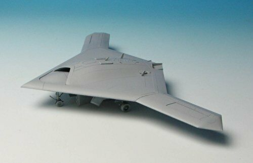Platz 1/72 U.S.Navy UCAS X-47B Plastic Model Kit NEW from Japan_2