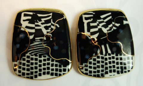 Black and white rectangular earrings with porcelain.
