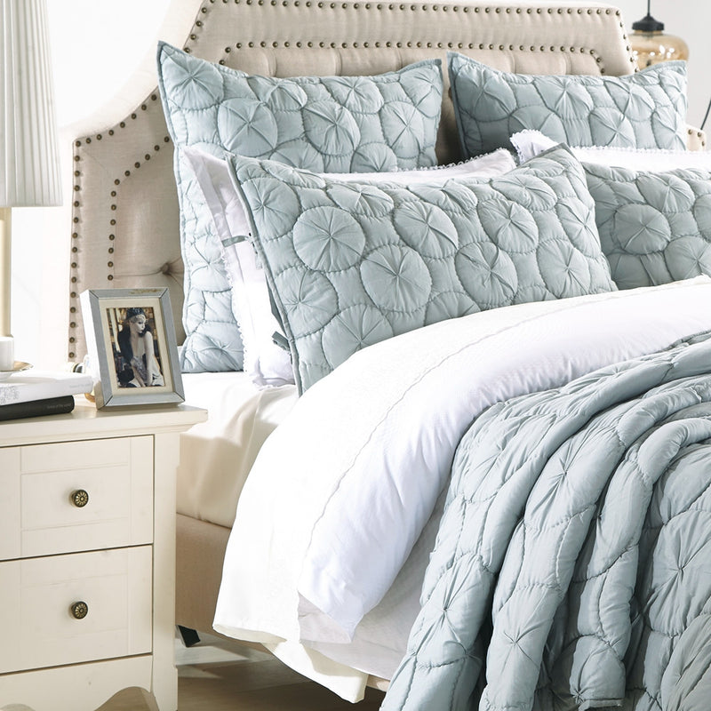 Dream Waltz Luxury Fog Quilt - Calla Angel  - 2