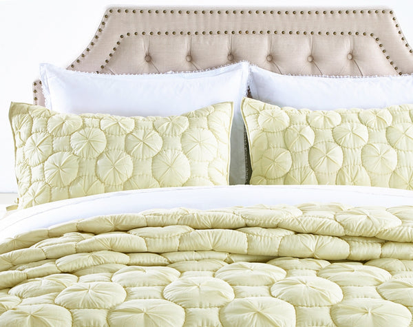Dream Waltz Luxury Pure Cotton Celadon Green Quilt Calla
