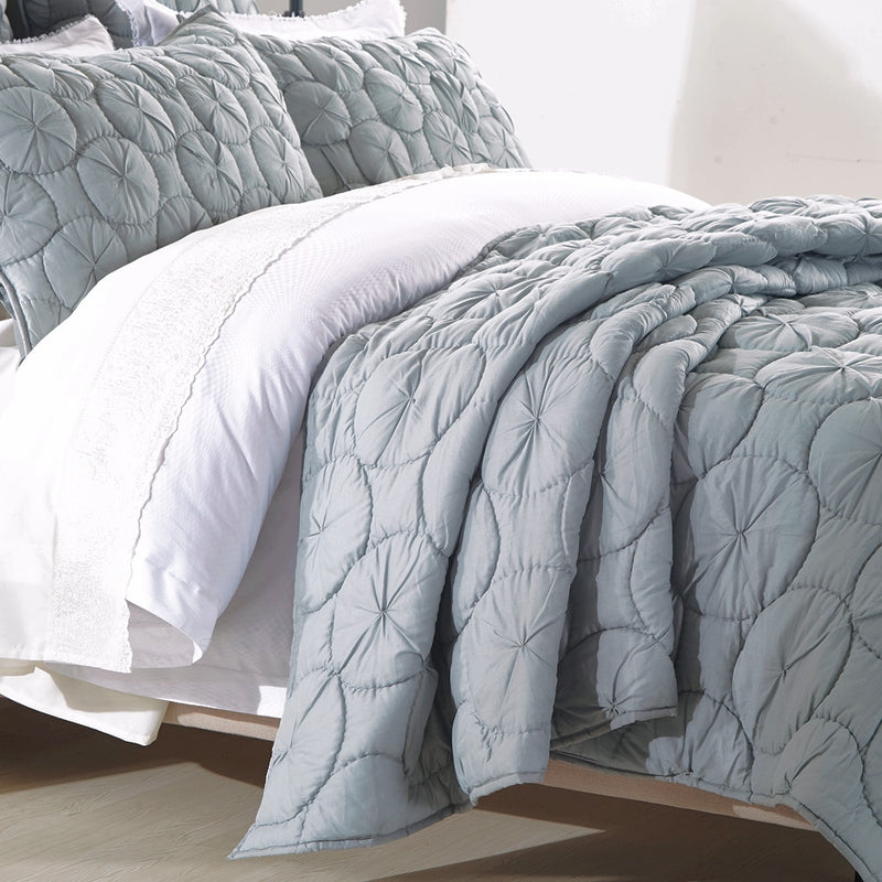 Dream Waltz Luxury Fog Quilt - Calla Angel  - 3