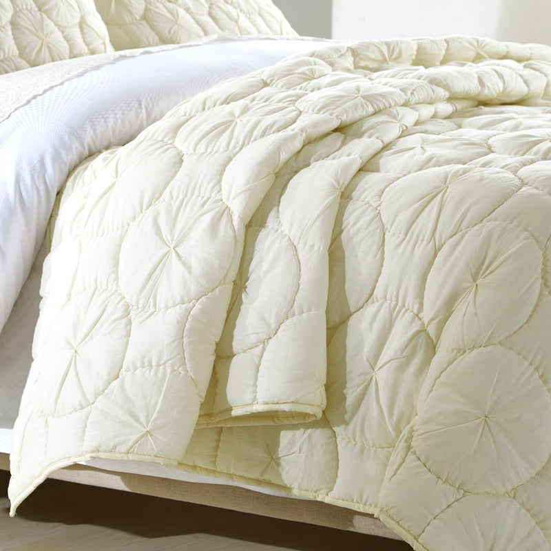 Dream Waltz Luxury Ivory Quilt - Calla Angel  - 5