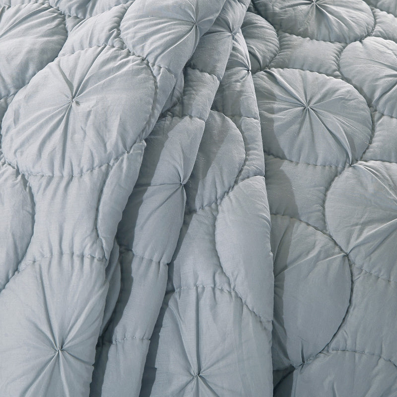 Dream Waltz Luxury Fog Quilt - Calla Angel  - 4
