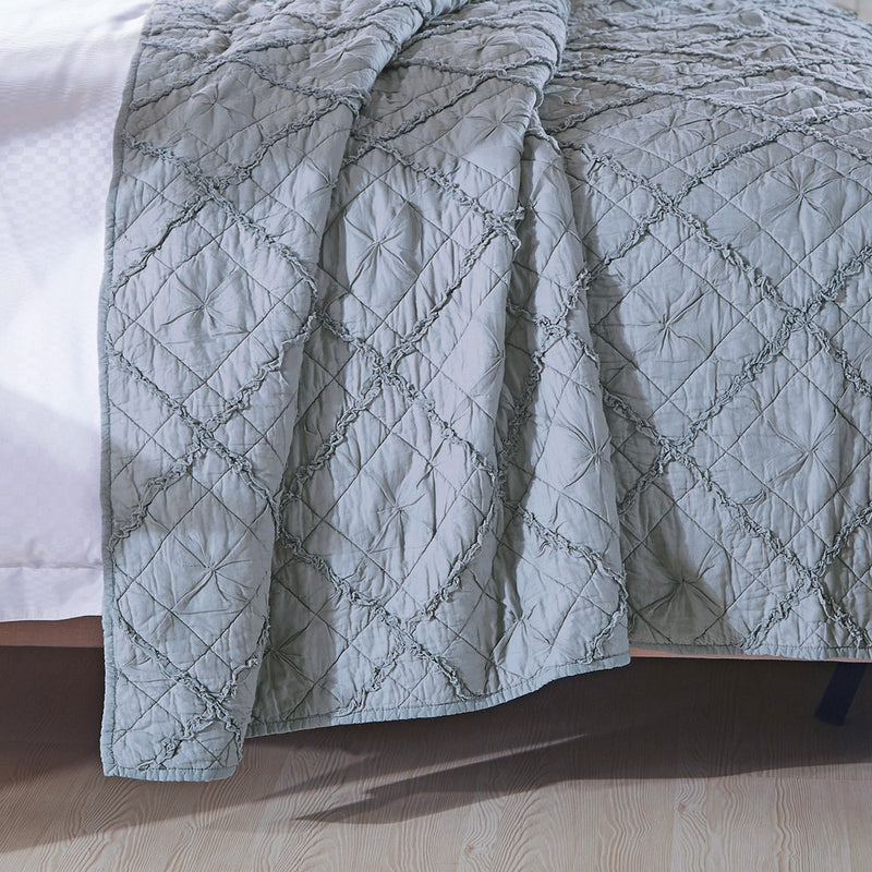 Diamond Applique Luxury Fog Quilt - Calla Angel  - 3