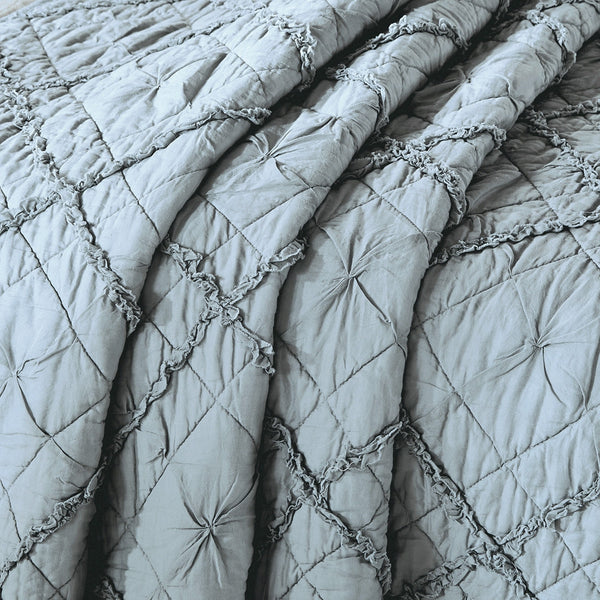 Diamond Applique Luxury Fog Quilt - Calla Angel  - 5